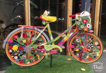 Le vélo en Yarn Bombing des Smilaines
